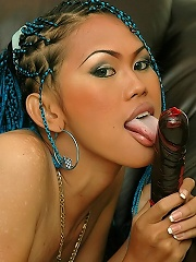 Ladyboy ravages own ass with thick dildo while masturbating