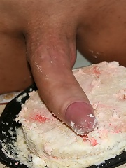 Horny kinky blonde pounding cake with her shecock