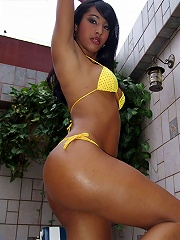 Sexy 22 year old shemale from Sao Paulo shows off her beautiful body
